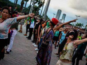 Un violador en tu camino se escuchó en Plaza Venezuela