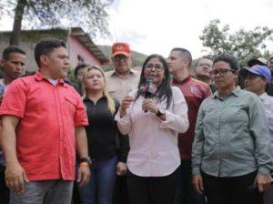 Vicepresidenta a Trump: No se deje engañar por pandillas de Guaidó
