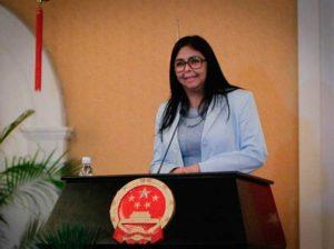 Vicepresidenta encabeza plan de atención a víctimas de guerra económica