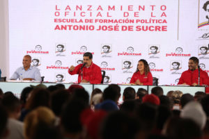 Maduro: Guaidó le da vida a la revolución