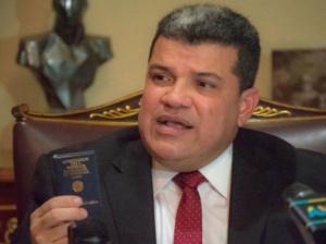 Luis Parra insiste en acuerdo humanitario