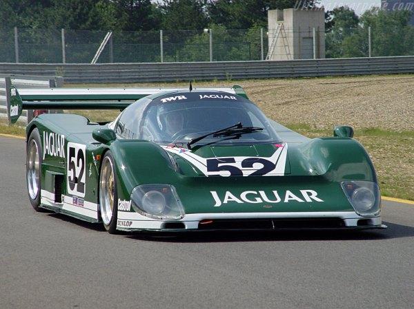 a072umys: Jaguar Xjr6