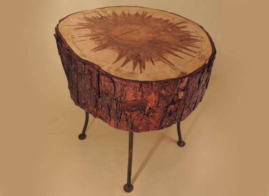 Rustic DIY tree stump nightstand - NO.1# THE MOST BEAUTIFUL DIY BEDROOM NIGHTSTAND IDEAS