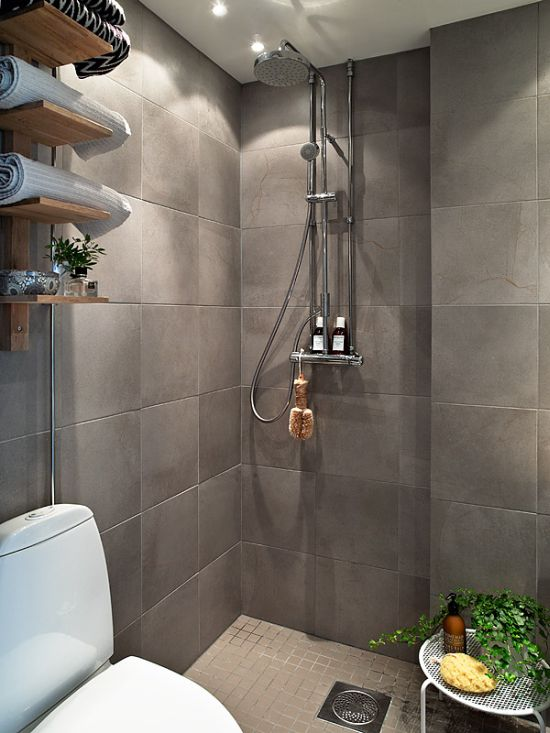 20 Tips For Maximizing Space In Small Bathrooms on Small Area Bathroom Ideas  id=33421
