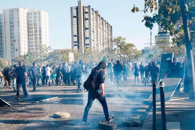 Selon le décompte de la préfecture de Paris, 186 personnes au total ont été interpellées au cours de la journée, marquée par des violences et des dégradations.