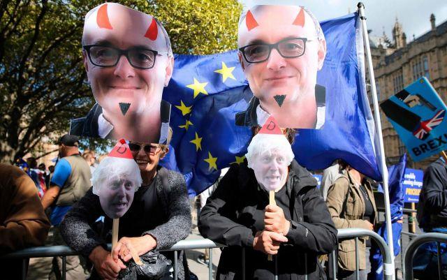 Des manifestants anti-Brexit protestent contre la politique de Boris Johnson et de son conseiller spécial, le 4 septembre à Londres. /AFP/Isabel Infantes
