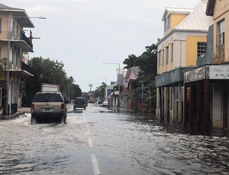 DIRECT. L'ouragan Dorian se dirige lentement vers la Floride, après avoir dévasté les Bahamas – Franceinfo