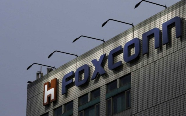 Foxconn violates Chinese labor laws to keep up with iPhone 11 orders