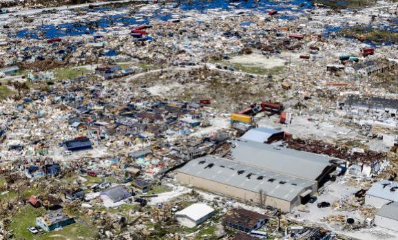 Une vue aérienne de Marsh Harbor (Bahamas) après le passage de l\'ouragan Dorian, le 5 septembre 2019.