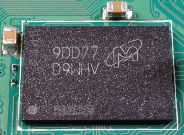 Micron 4GB RAM chip