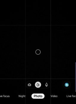 Add a floating shutter button in your Galaxy Note 10's Camera app!