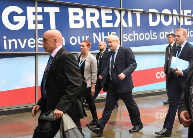 Boris Johnson se rend au congrès du Parti conservateur à Manchester, le 29 septembre.