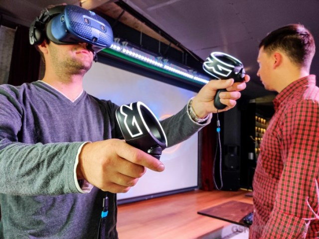 HTC Vive Cosmos hands-on