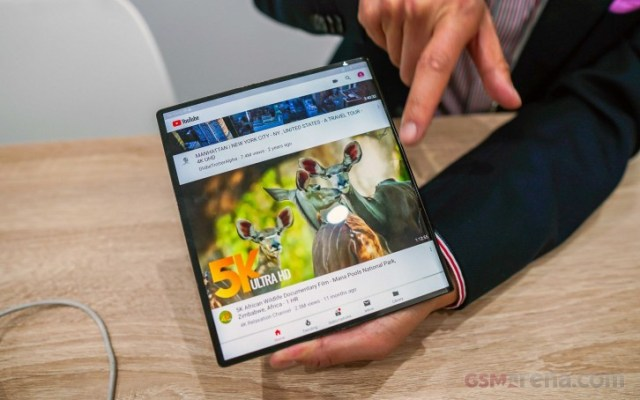 Huawei Mate X starts selling in late October