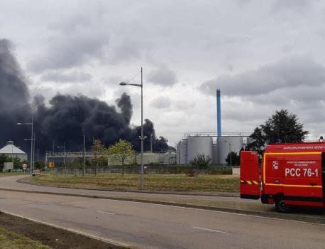 Incendie de Lubrizol à Rouen : des perquisitions en cours dans les locaux administratifs de l'entreprise – Franceinfo