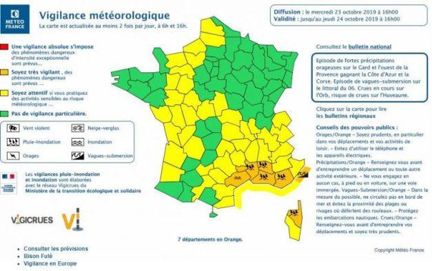 Six départements du sud de la France sont toujours placés en vigilance orange, mercredi 23 octobre. Le Vaucluse, les Bouches-du-Rhône, le Var et la Haute-Corse sont en alerte pluie et inondation. L'Hérault connaît des risques d'inondations et les Alpes-Maritime de vagues-submersion. Les précipitations, qui ont particulièrement touché l'Hérault, se déplacent vers l'Est en cette fin de journée. / © Météo France