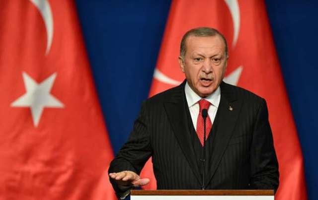 Ankara critique de longue date le refus de ses alliés européens, dont la France, de prendre en charge leurs ressortissants partis se battre en zone irako-syrienne.