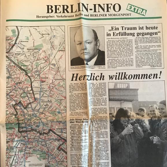 """Le journal réalisé le 10 novembre 1989 par l\'office de tourisme de Berlin et le \""""Berliner Morgenpost\"""" pour les Allemands de l\'Est."""