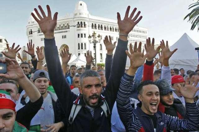 Manifestants, lors du 37 vendredi de mobilisation à Alger, en novembre.