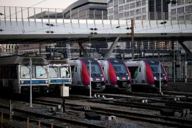 Des trains à la gare de Pont-Cardinet, à Paris, lundi 30décembre.