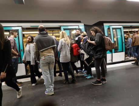 Grève du 5 décembre : à la RATP «on est prêt à perdre un mois de salaire pour défendre nos retraites» – Le Parisien