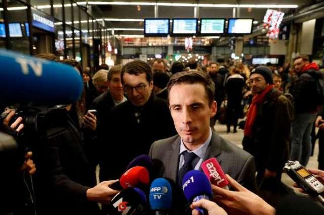 Jean-Baptiste Djebbari, secrétaire d'Etat aux transports, le 4 décembre à la gare Montparnasse.