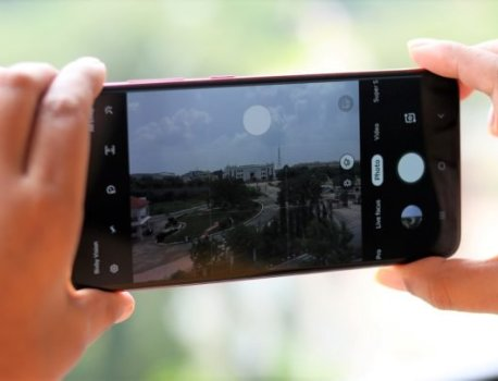 Samsung Galaxy A71 vs Galaxy A70 specs comparison