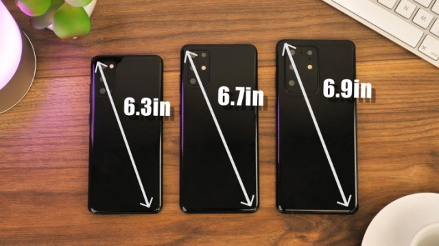 Samsung Galaxy S20 replicas shown on video, the Ultra has a wider, thicker camera bump
