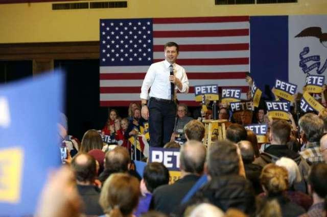 Le candidat à l'investiture du Parti démocrate pour l'élection présidentielle Pete Buttigieg, en meeting électoral à Ames (Iowa), le 13 janvier.