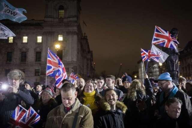 Les partisans de Nigel Farage et de son parti Brexit se rassemblent sur la place du Parlement, à Londres, le 31 janvier.