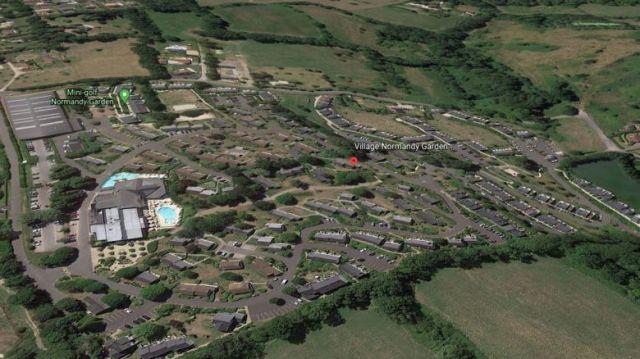 Un domaine de 12 hectares avec maisons, piscines extérieures et intérieures du groupe Pierre et Vacances / © googleearth