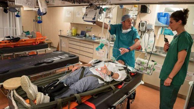 Illustration. Blocs opératoires et lits médicalisés, le porte-hélicoptères amphibie (PHA) Tonnerre est un véritable hôpital embarqué. / © Marine Nationale / Ministère des Armées