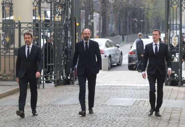 Christophe Castaner, Edouard Philippe et Olivier Véran avant une réunion place Beauvau, à Paris, le 17 mars.