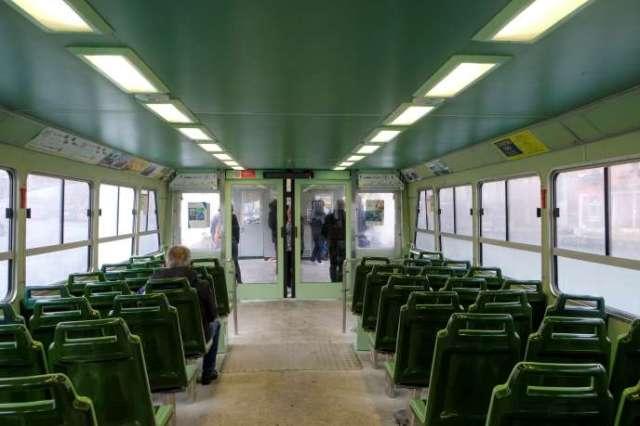 Un bateau-bus vide, après la propagation du coronavirus qui a provoqué une baisse du nombre de touristes à Venise, le 1er mars.