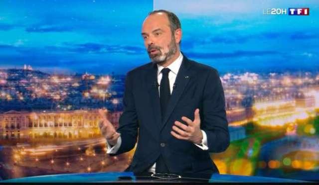 Edouard Philippe annonce le recours à l'article 49.3 pour faire passer la loi sur les retraites, sur le plateau du 20H de TF1, le 29 février.