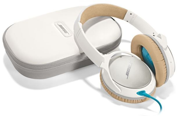A manufacturer photo of the Bose QuietComfort 25 active noise cancelling headphones.
