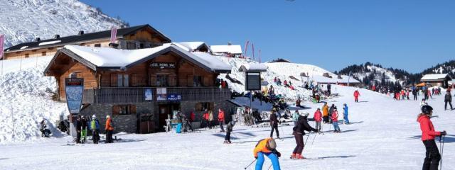 Des skieurs à la station de Châtel, en Haute-Savoie, le 12 février 2017. Photo d\'illustration.