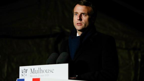 Emmanuel Macron lors de son allocution depuis l\'hôpital militaire de Mulhouse (Haut-Rhin), le 25 mars 2020.