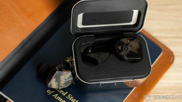 A picture of the MW07 earbuds sin the open charging case which looks identical to that included with the Master & Dynamic MW07 Plus.