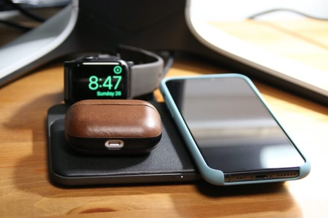 AirPods Pro, iPhone, Watch on Nomad Base Station