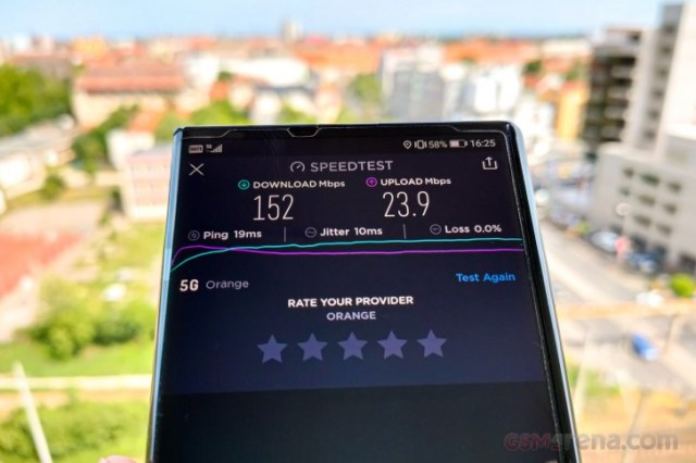 5G connectivity on a Huawei Mate Xs smartphone