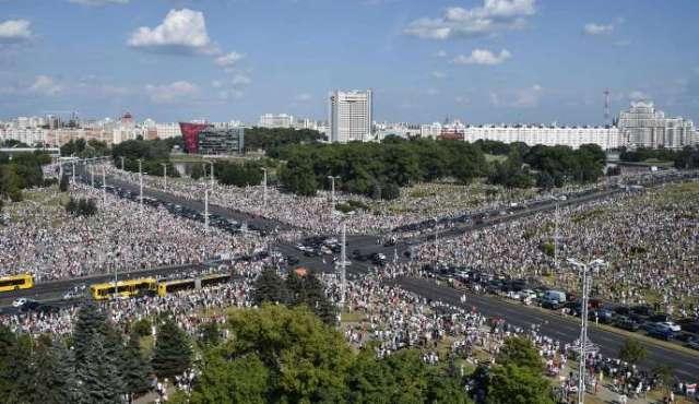 Manifestation de l'opposition à Minsk, dimanche 16 août.