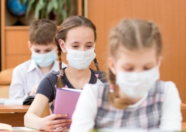 Dans le cartable cette année, il ne faudra pas oublier de glisser un masque pour les enfants de 11 ans et plus.