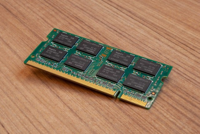 Intel sells its NAND chip buisness to SK Hynix for $9 billion