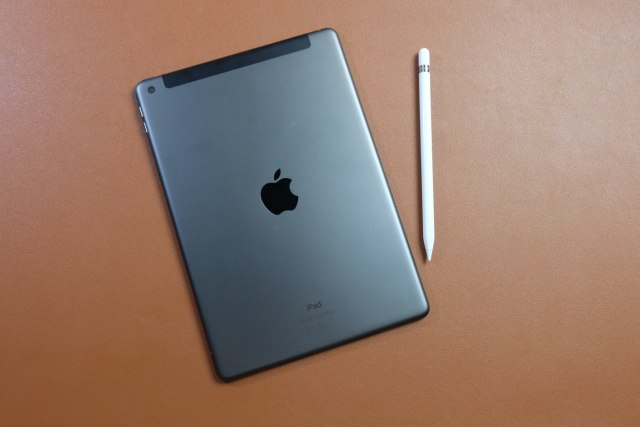 test ipad 8 design