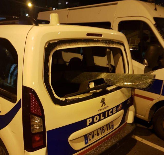 Un des véhicules vandalisés. /UNitéSGP Police