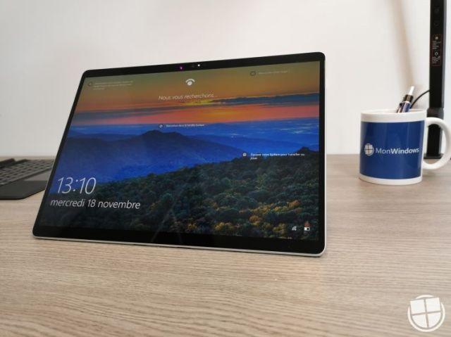 Microsoft-Surface-Pro-X-12-