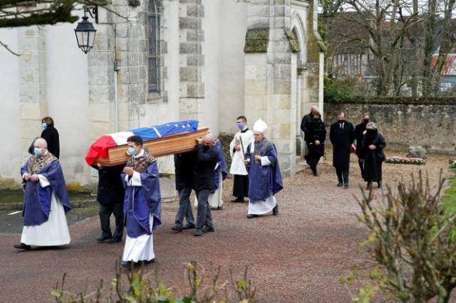 Lors de sa cérémonie funéraire de Valéry Giscard d'Estaing, à Authon (Loir-et-Cher), le 5décembre.