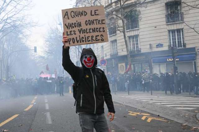 Manifestation contre la loi« sécurité globale», le chômage et la précarité à Paris, samedi 5 décembre.