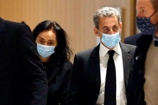 Nicolas Sarkozy et son avocate, Jacqueline Laffont, à leur arrivée au tribunal le lundi 7décembre 2020, à Paris.